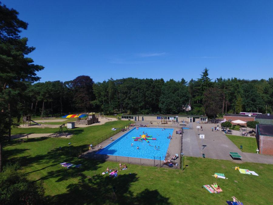 Buitenzwembad Camping Besthmenerberg